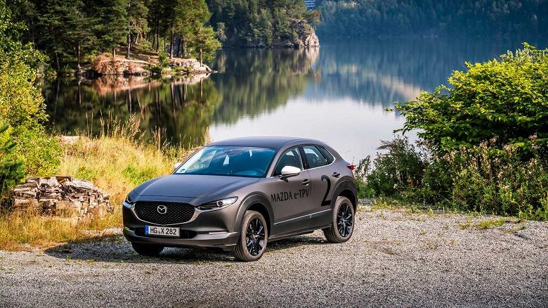 Mazda покажет свой первый электромобиль уже через месяц