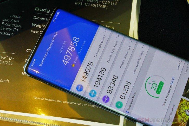 Скромный чемпион. Первый смартфон с экраном-водопадом опередил по производительности даже Asus ROG Phone 2
