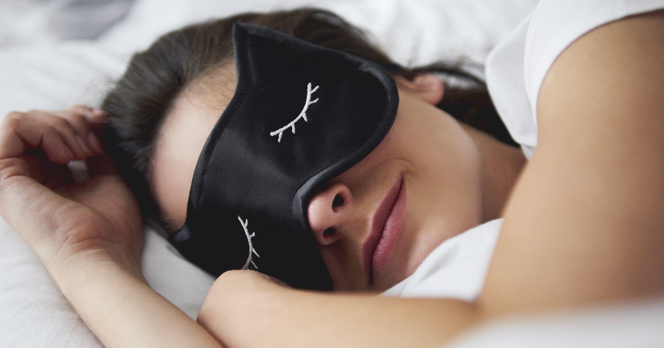 Как уснуть за одну минуту: видеоинструкция