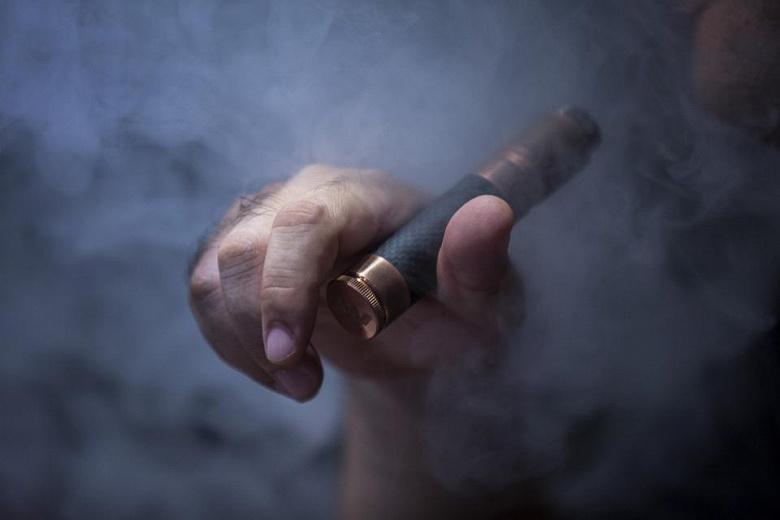 В Индии запретили электронные сигареты
