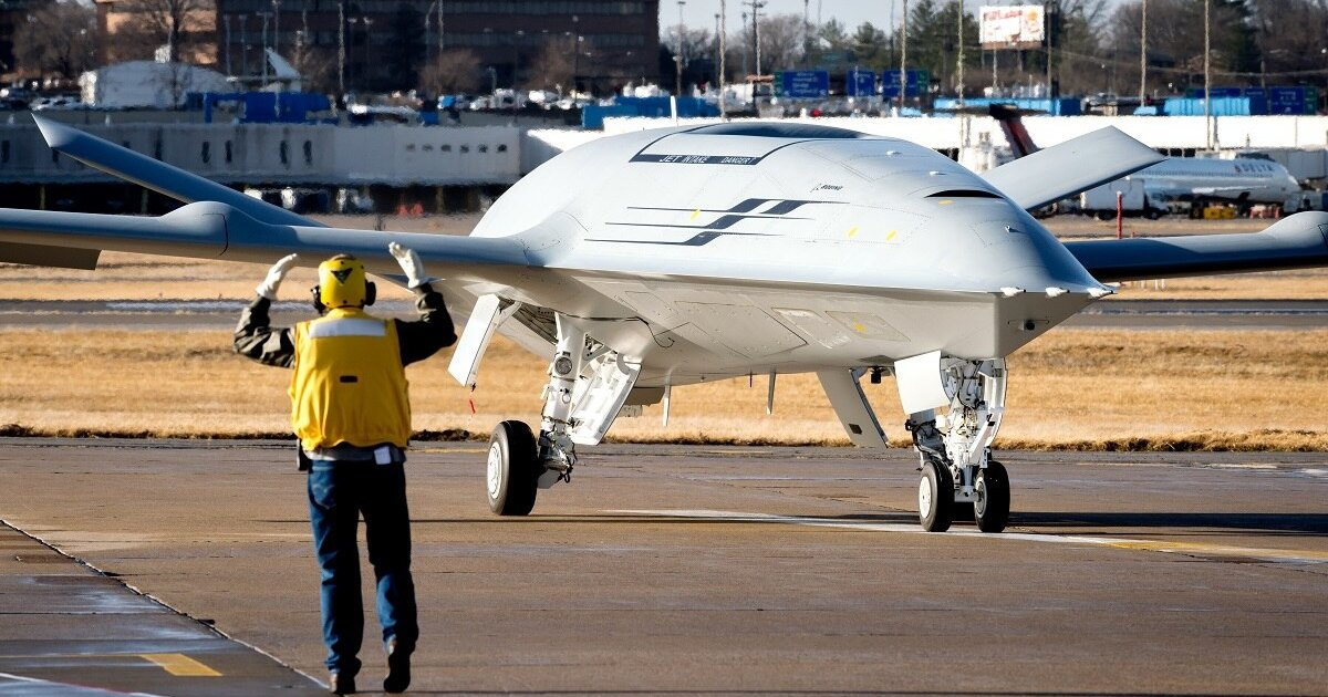 В США испытан дрон-заправщик