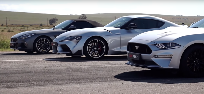 Toyota Supra против BMW Z4 и Ford Mustang GT: дрэг-гонка