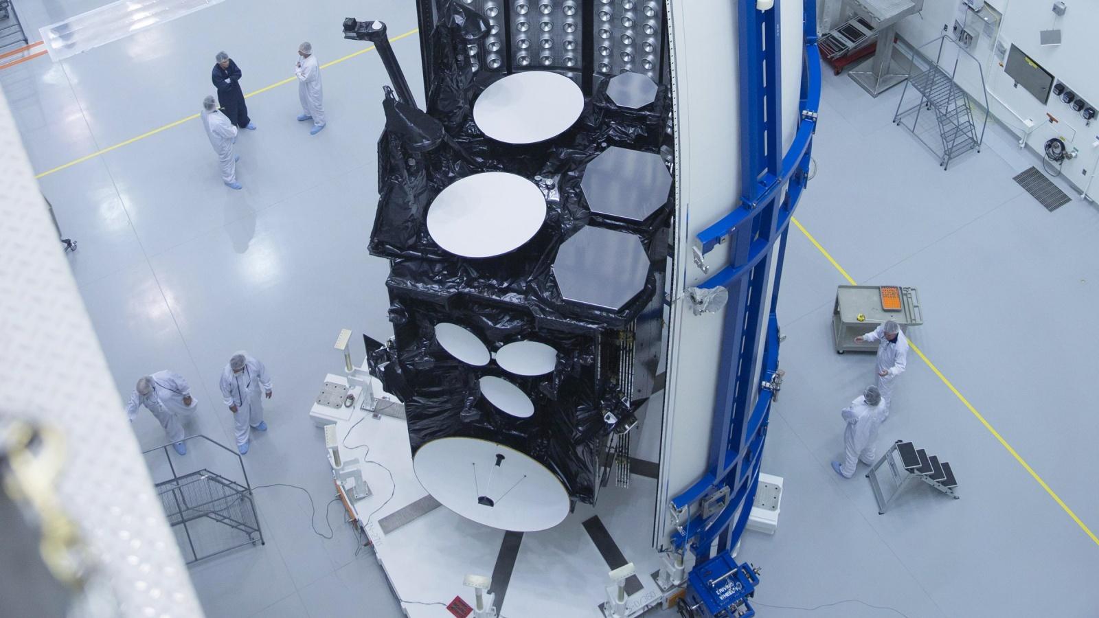 ВВС США разрешили хакерам взломать военный спутник - 1
