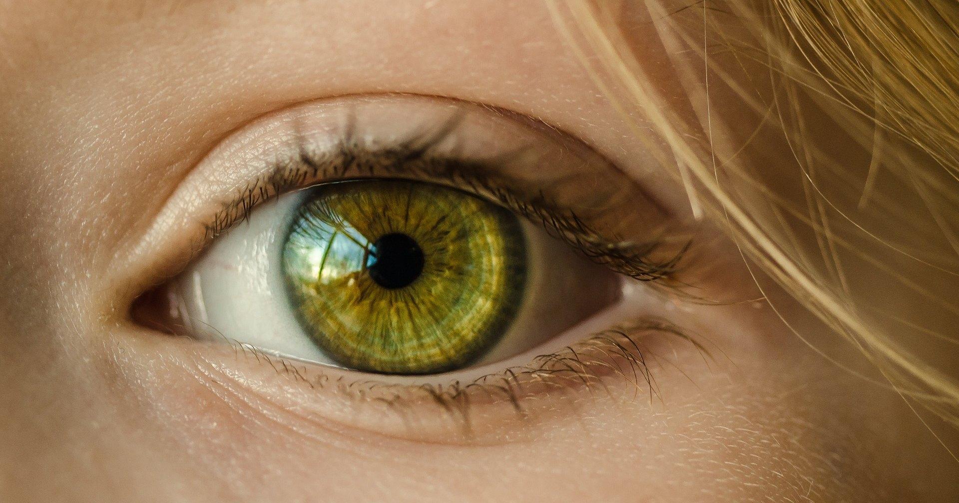 5 заболеваний, возникновение которых можно определить по глазам