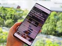 Первый в мире смартфон с экраном-водопадом получит несколько преемников - 1
