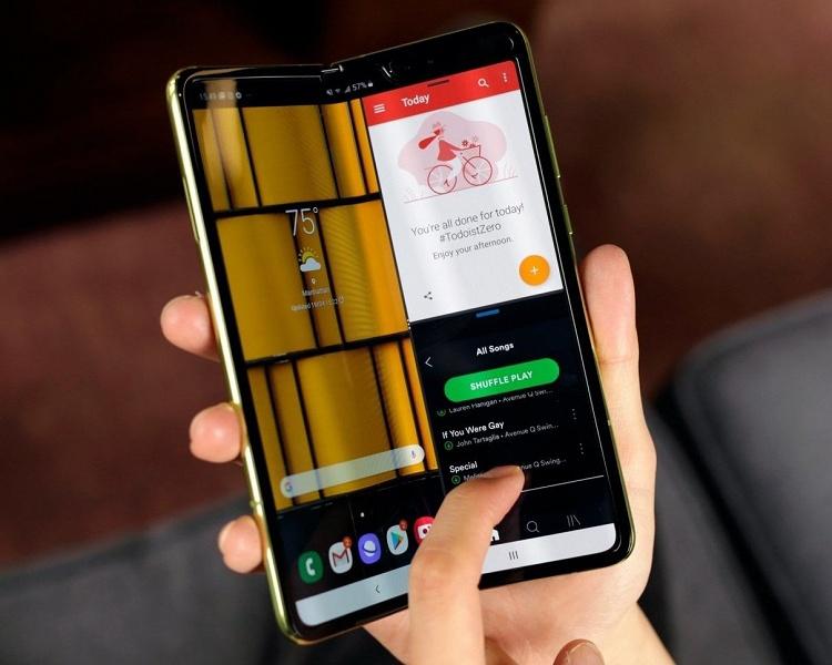 Успех после провала. Samsung Galaxy Fold отлично продаётся