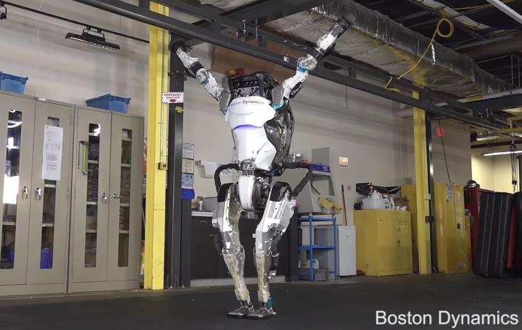Робот Atlas от Boston Dynamics научился выполнять впечатляющие трюки