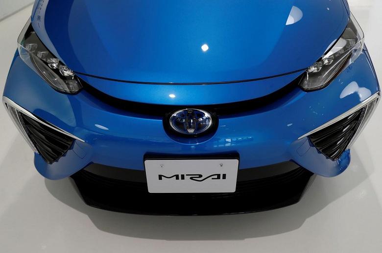 В будущем году Toyota представит новое поколение автомобиля Mirai на топливных элементах
