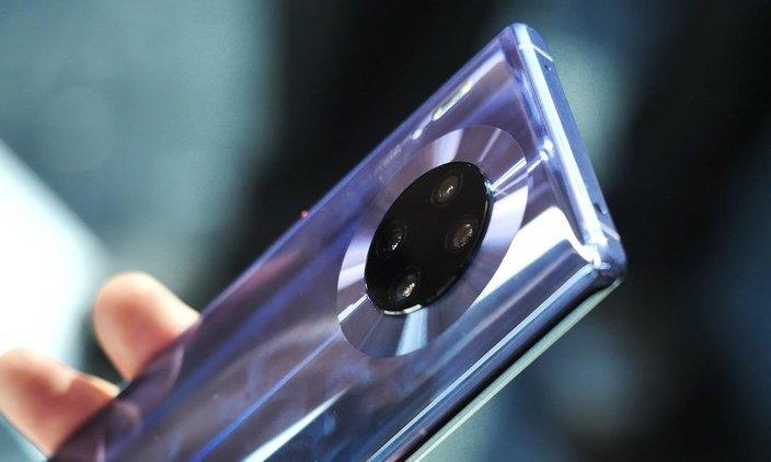 Превзошли Huawei P30 шестикратно. Первый миллион Huawei Mate 30 и Pro продан всего за три часа