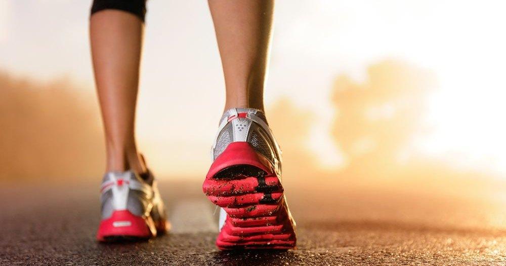 Изобретены подсказывающие дорогу смарт-кроссовки