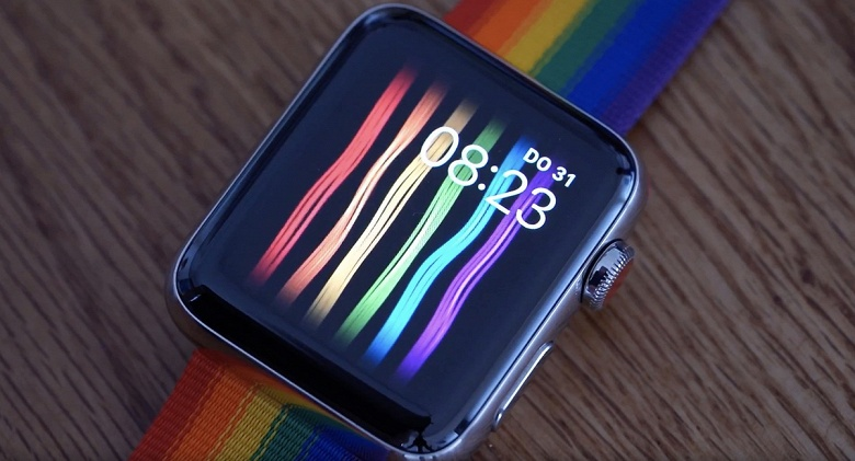 Оригинальный способ заработать миллион. Москвич обвинил Apple в «доведении до гомосексуализма»