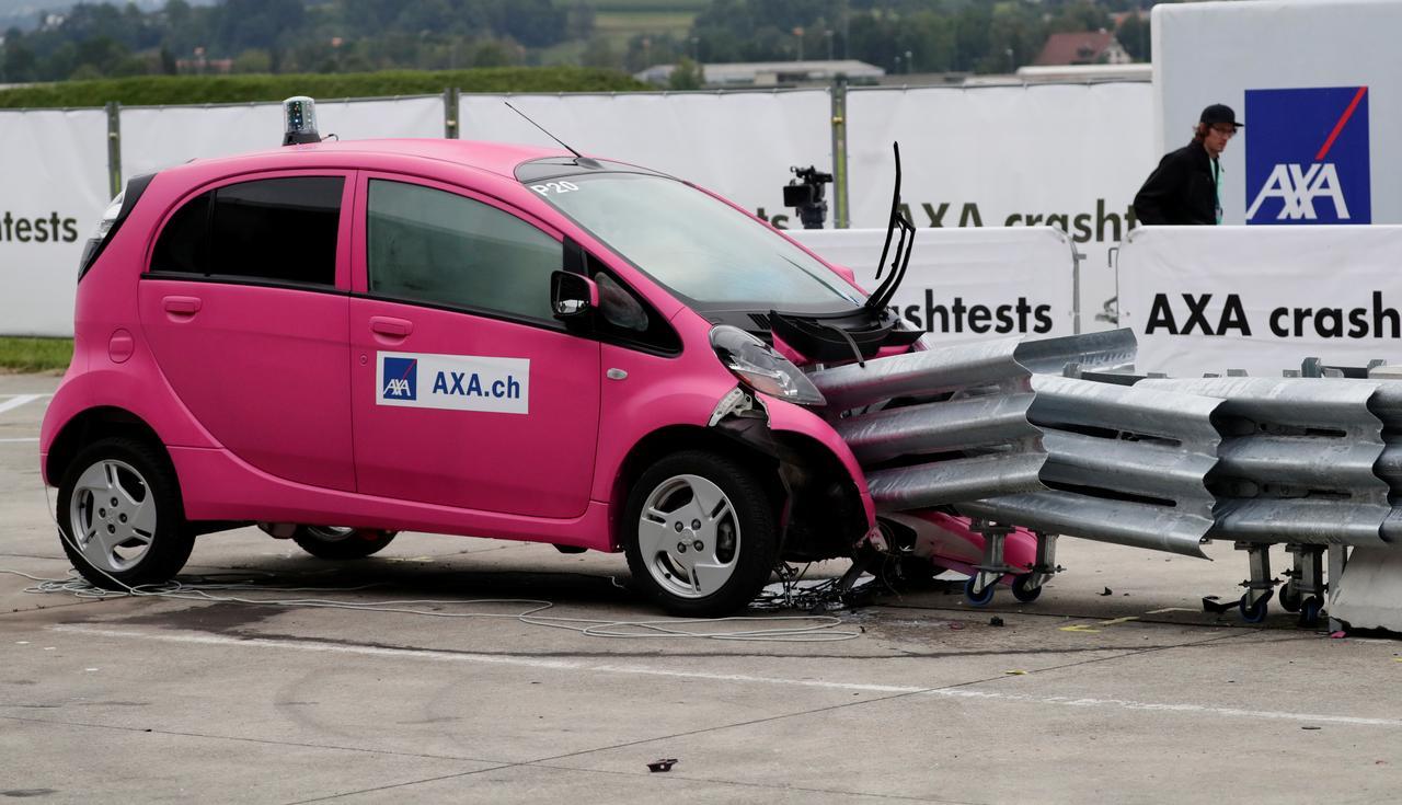 Bosch создала устройство, которое взрывает кабель батареи электромобиля при аварии - 1