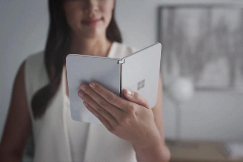 Не стоит ждать от Microsoft универсальной операционной системы для ПК и смартфонов