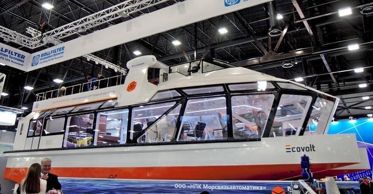 «Эковольт» — из рендеров в реальность, российский двухпалубный речной электрокатамаран на выставке «Нева-2019» - 4