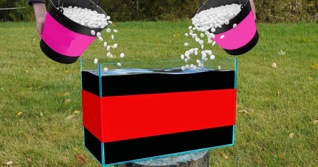 Ведро конфет в аквариуме с газировкой: пенный взрыв