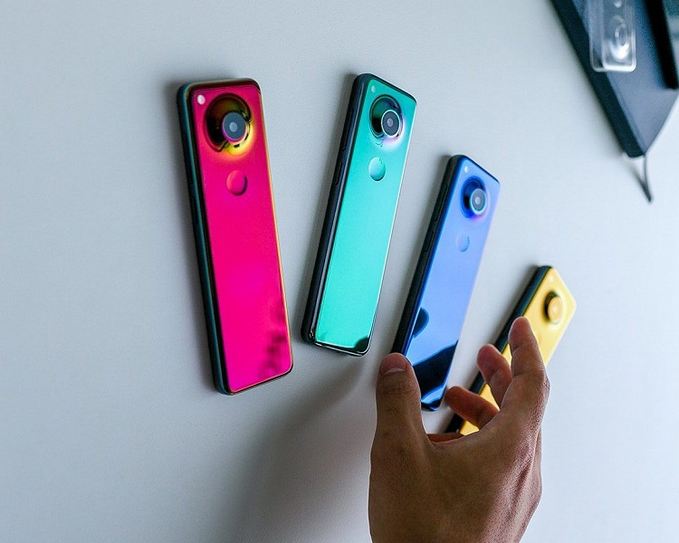 Essential Phone 2 от создателя Android получил экран 32:9
