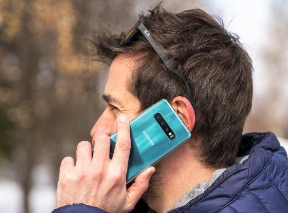 Дешевый смартфон Samsung Galaxy S10 Lite по ряду параметров превзойдет Galaxy S10