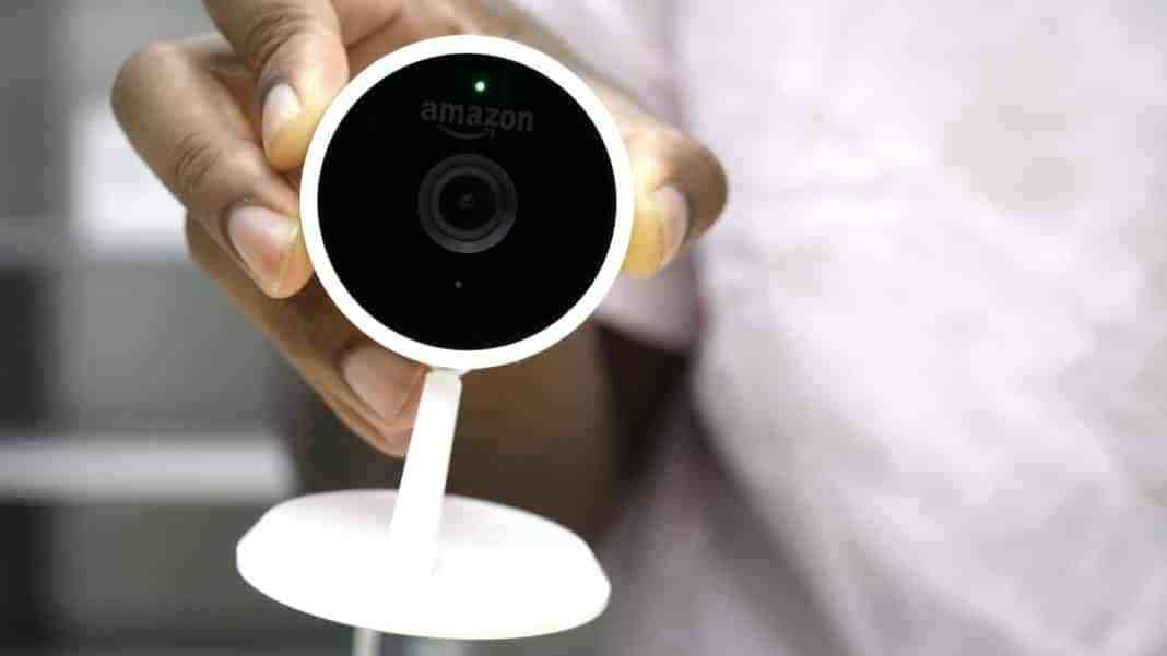 Подрядчики Amazon не только подслушивают людей, но и подглядывают за ними - 1