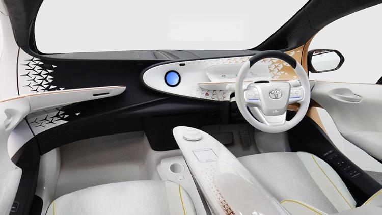 Toyota LQ: новый уровень взаимодействия между автомобилем и водителем