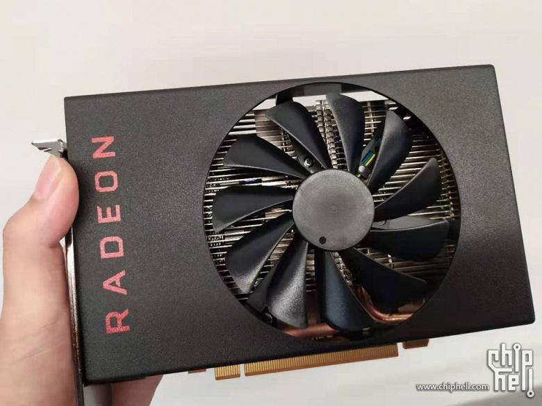 Небольшая, но мощная. Появилось первое фото видеокарты Radeon RX 5500