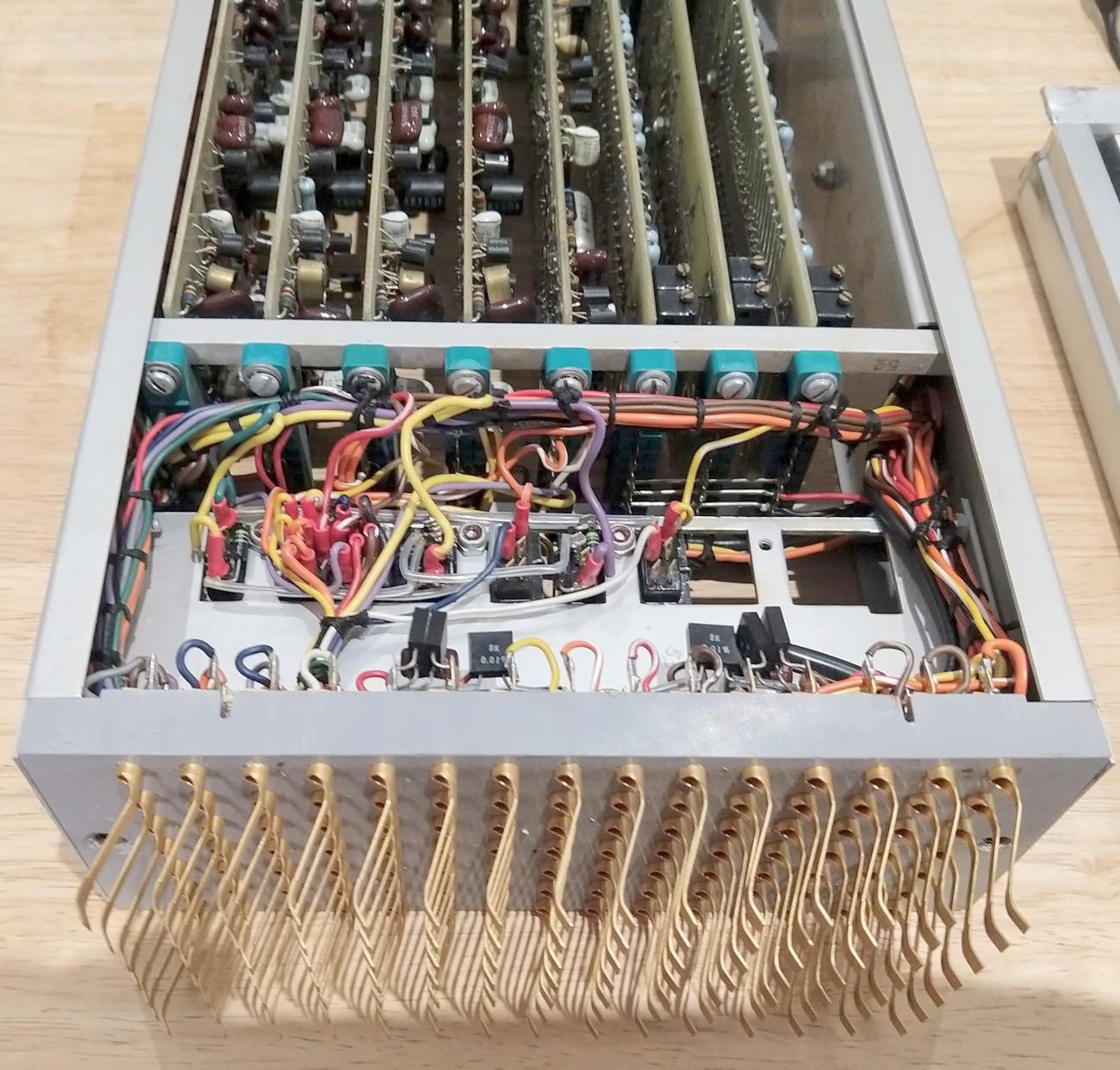 Реверс-инжиниринг малошумящих операционных усилителей из аналогового компьютера 1969 года - 6