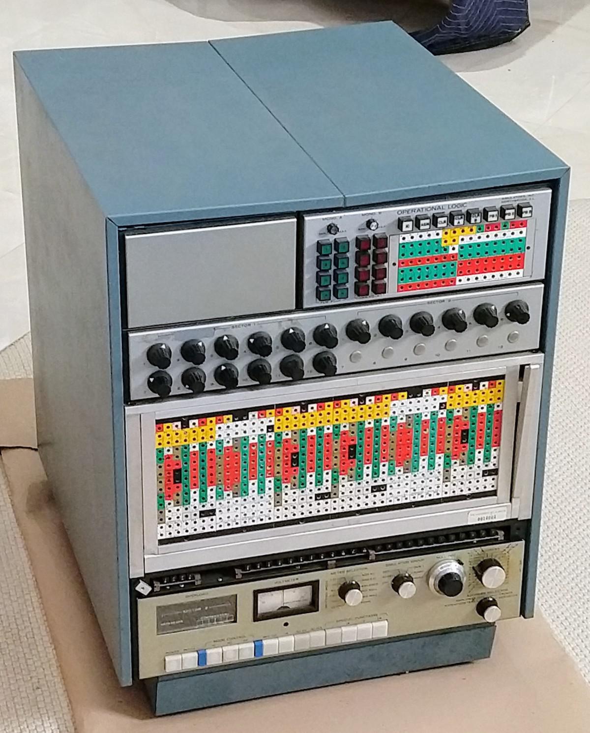 Реверс-инжиниринг малошумящих операционных усилителей из аналогового компьютера 1969 года - 1