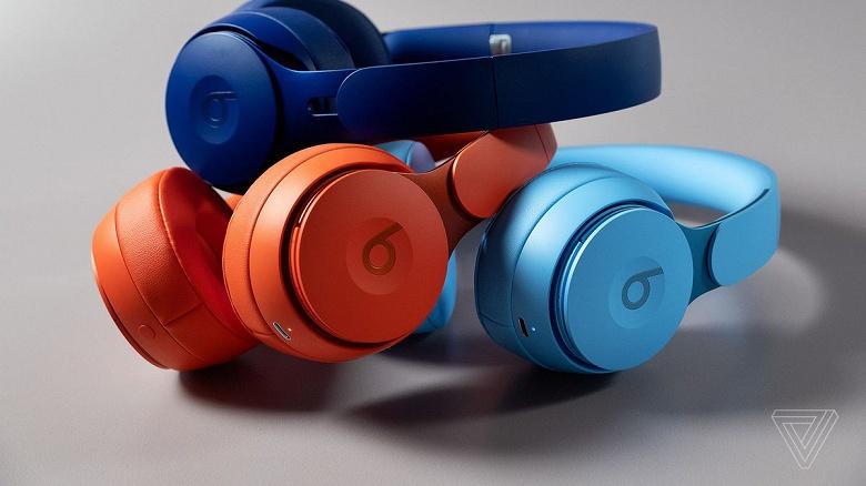 Новые наушники Apple играют на территории Sony