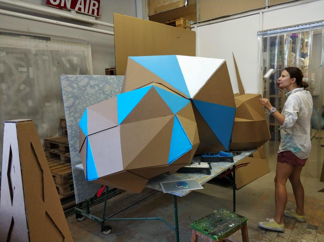 Пятиметровое оригами, или Как построить футуристический город из картона - 11