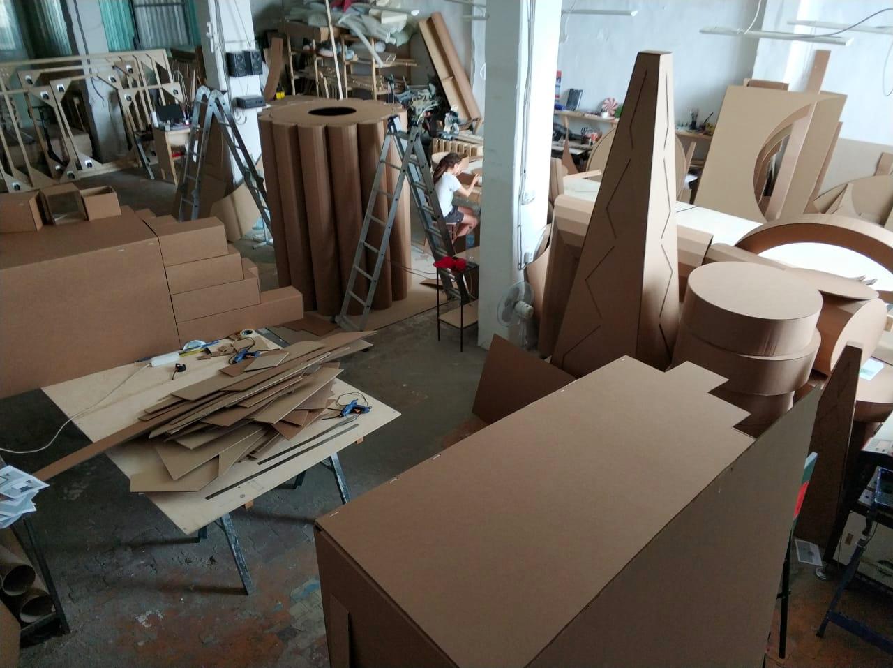 Пятиметровое оригами, или Как построить футуристический город из картона - 6