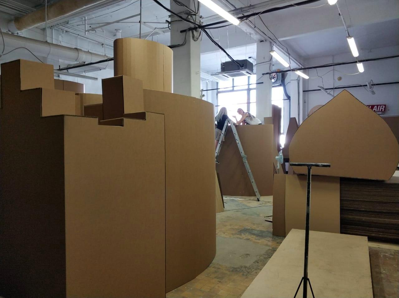 Пятиметровое оригами, или Как построить футуристический город из картона - 7