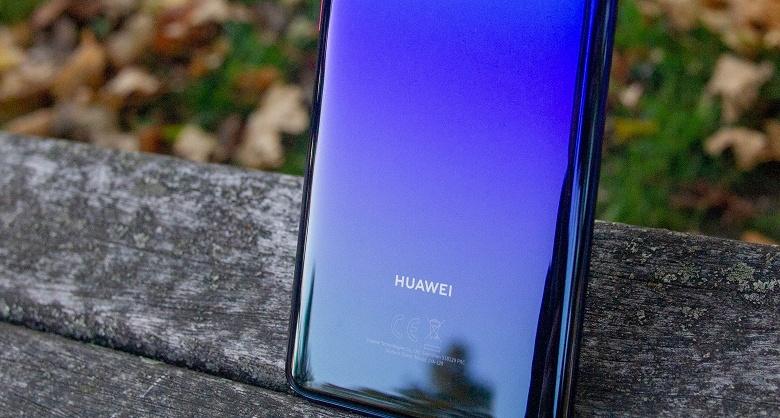 Доступная новинка Huawei с емким аккумулятора предназначена для поклонников мобильного фото