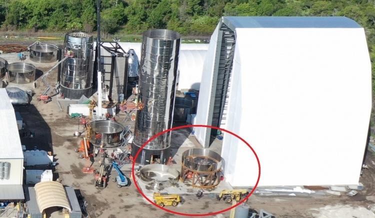 Видео строительства прототипа ракеты SpaceX Starship во Флориде