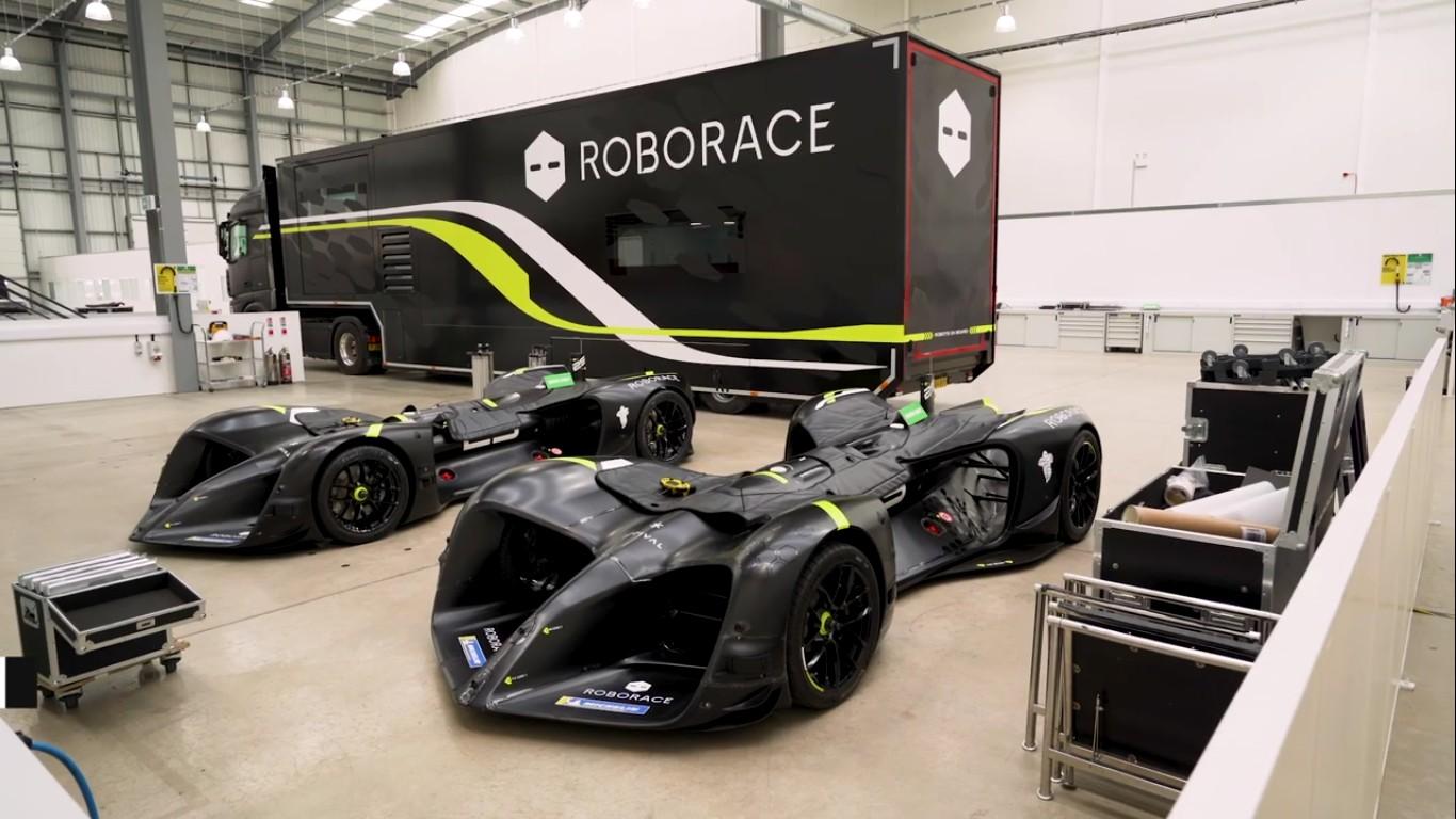 Электромобиль Robocar занесен в Книгу рекордов Гиннеса как самая быстрая в мире автономная машина - 3