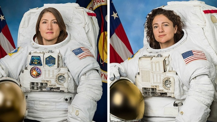 Впервые в истории космонавтики две женщины-астронавта вышли в открытый космос