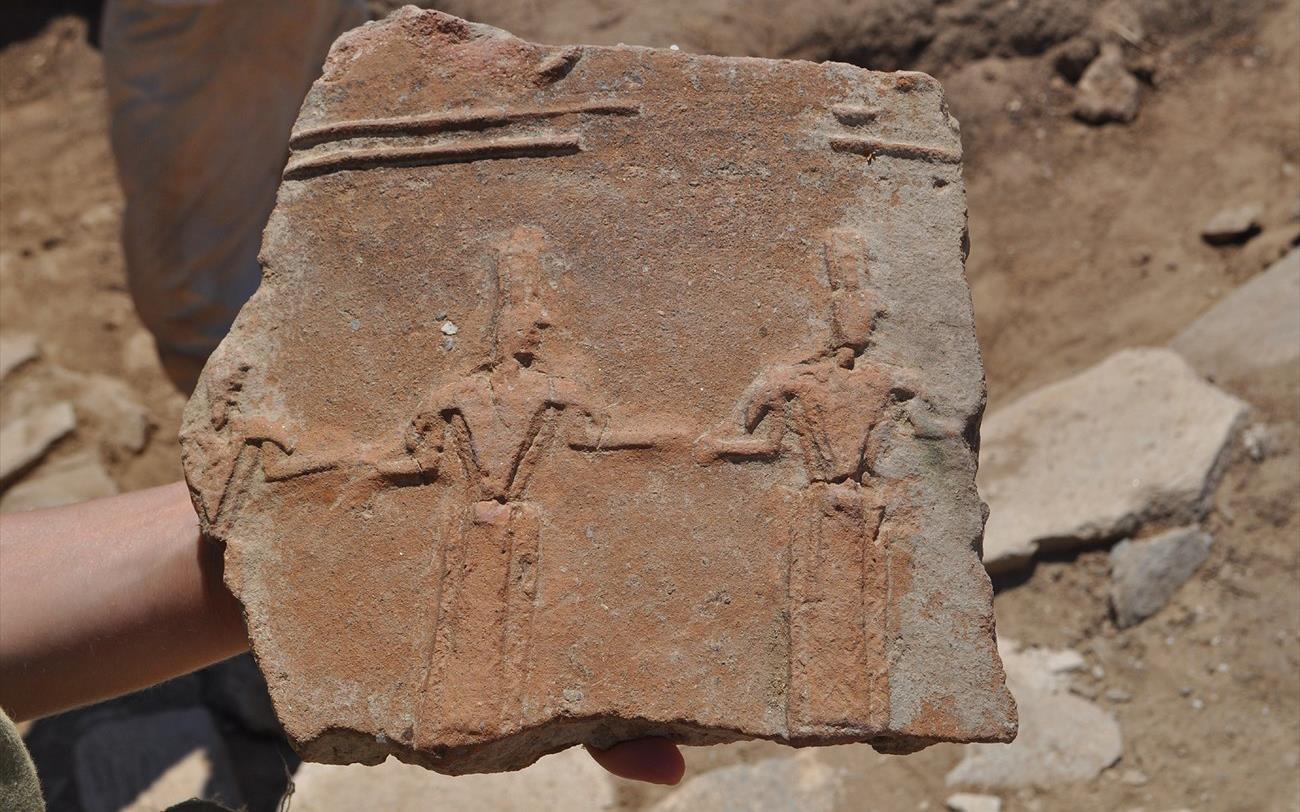 ИИ DeepMind расшифровывает древнегреческие тексты лучше, чем учёные-люди - 1