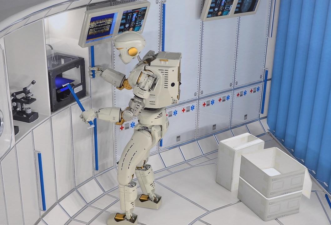 НАСА нанимает инженеров для разработки гуманоидного робота следующего поколения - 4
