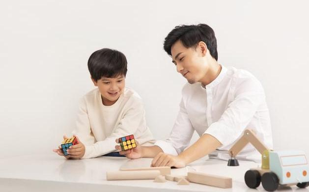 Xiaomi собирает деньги на настоящий умный «кубик Рубика» для управления цифровым домом