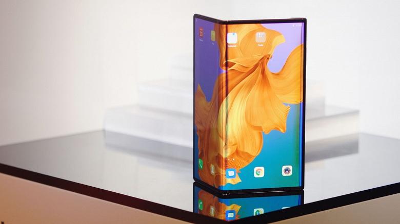 Гибкий смартфон Huawei Mate X пока не конкурент для Samsung Galaxy Fold