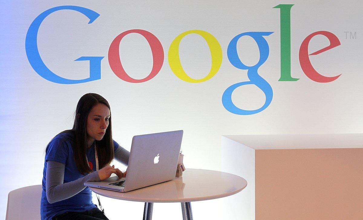 Работники Google обвинили компанию в слежке за ними из-за расширения для календаря - 1