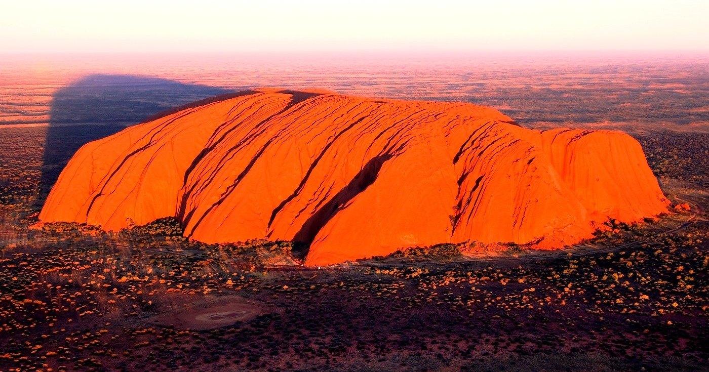 В Австралии закрыта скала Улуру
