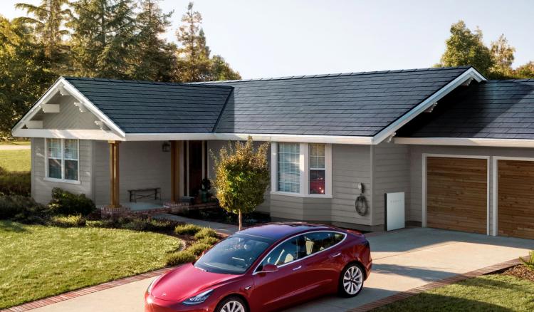 Tesla представила новую версию солнечных панелей для крыш домов