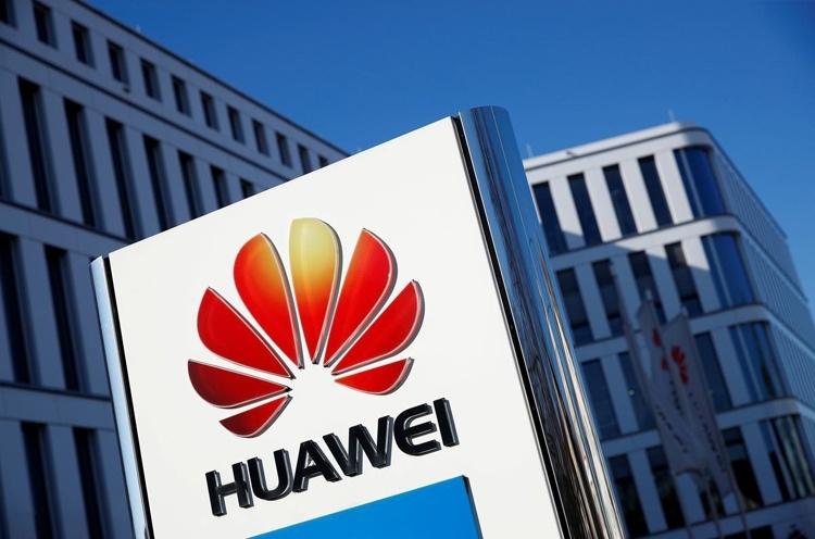 Рендер Huawei Nova 6 5G говорит о наличии двойной селфи-камеры в отверстии в экране