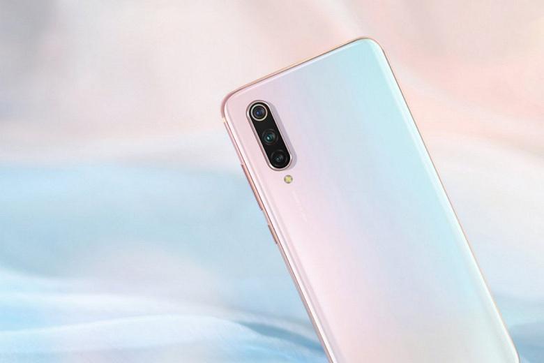 108 Мп, 40-ваттная зарядка и экран-водопад. Xiaomi Mi Note 10 Pro порадует характеристиками