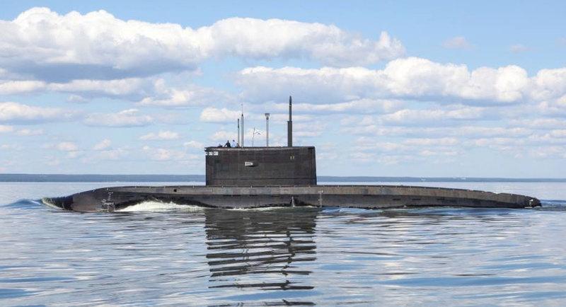 """Эксперт назвал """"Варшавянки"""" устаревшими надводными лодками"""