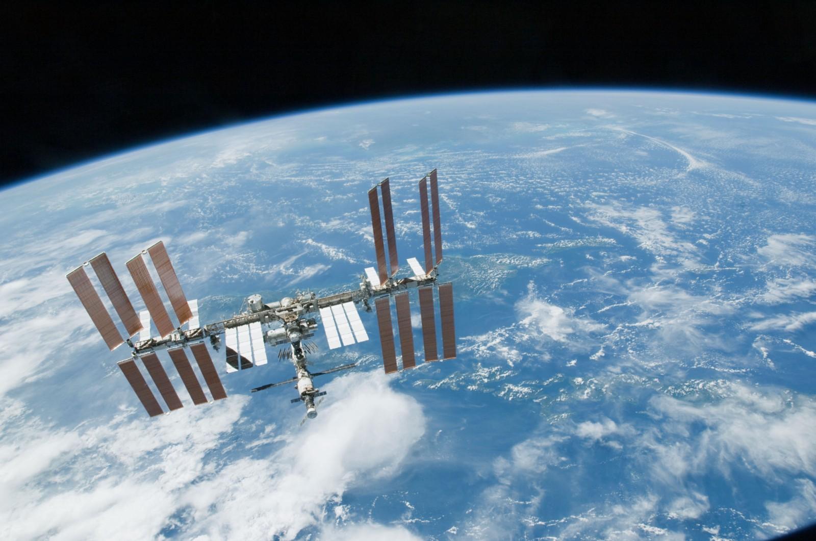 «Роскосмос» построит два дополнительных корабля «Союз» по просьбе американских космонавтов - 1