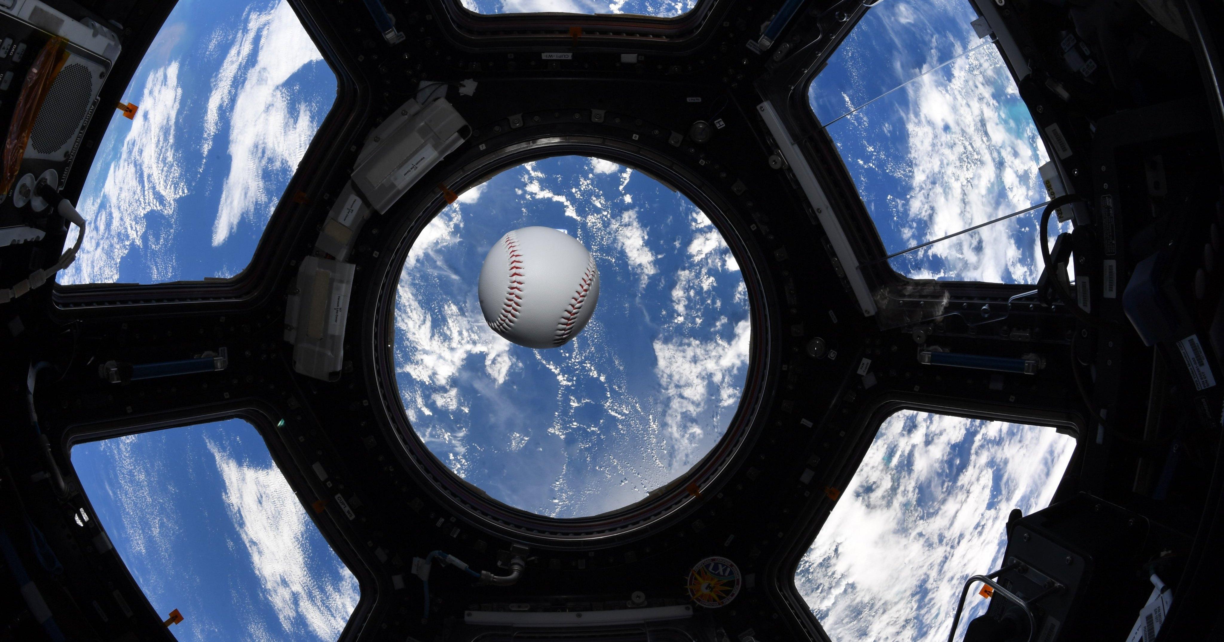 28 000 км/ч: бейсбольный мяч подали с рекордной скоростью