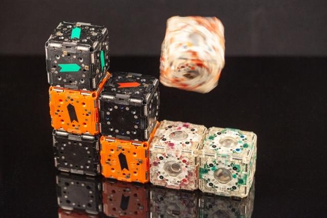 В MIT создали робокубы, которые могут «узнавать» друг друга и собираться в сложные структуры - 1