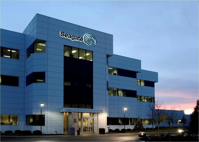 Доход Seagate за год уменьшился на 14%, прибыль — на 56% - 1