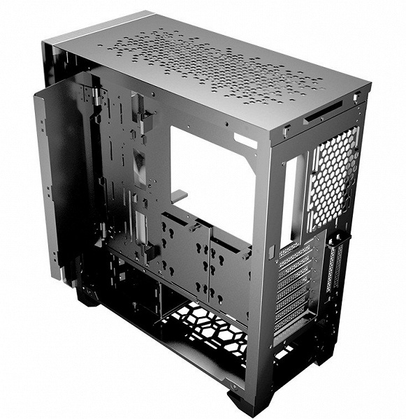 Серия корпусов Cougar DarkBlader включает две модели, различающиеся оформлением передней панели