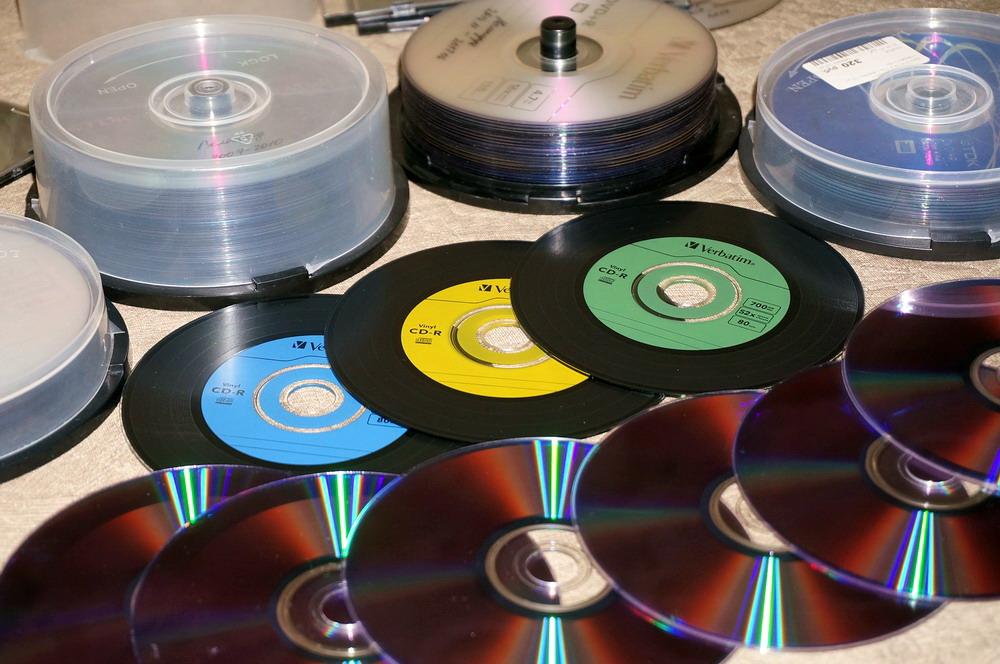 Хранение фотографий на DVD-дисках в 2K19-м (в 2190-м? в 2238-м?) - 1